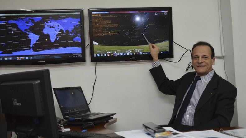 El comodoro (R) Rubén Lianza explicó la función de la Comisión de Estudio de Fenómenos Aeroespaciales.