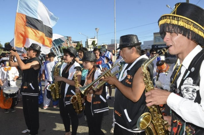 Grupos murgueros de diferentes provincias llegarán a Caleta Olivia para protagonizar el Cuarto Encuentro Nacional.