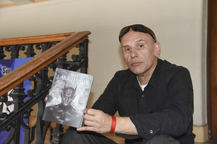 El crítico de cine Orly Mayorga presenta su primer libro