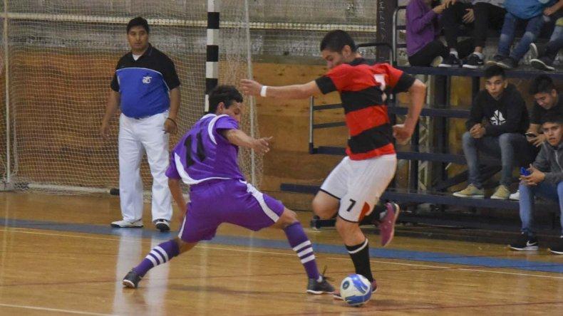 Esta noche se conocerá al último campeón del torneo Clausura 2016 de la Asociación Promocional.