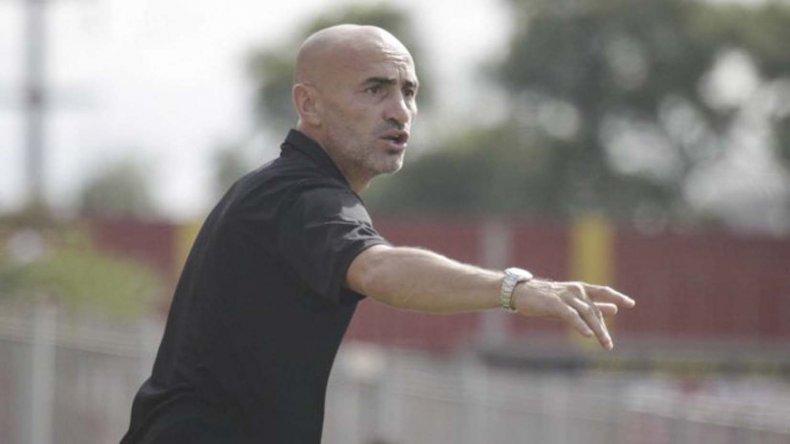 El uruguayo Paolo Montero es la opción uno que tiene Independiente para suceder a Gabriel Milito.