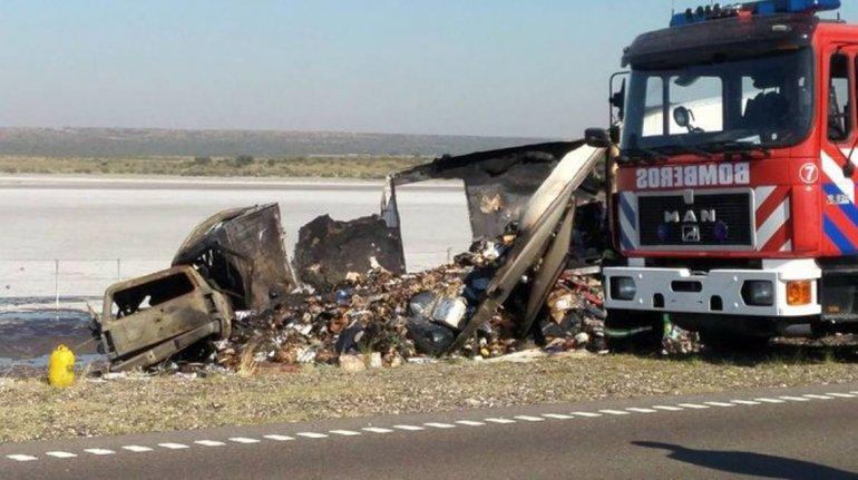 Una familia del barrio Sismográfica murió al chocar contra un camión en General Conesa