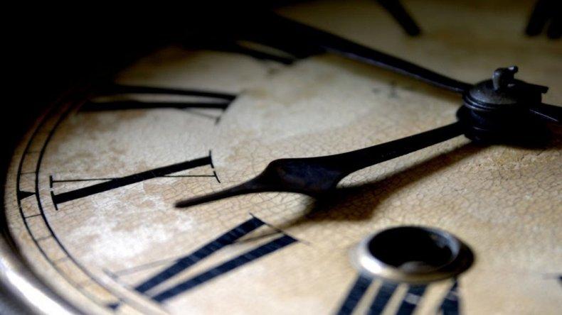 Por qué este 31 de diciembre el reloj se congelará a las 20:59:59 hs