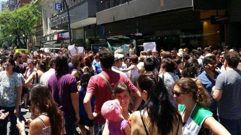 Estatales tomaron el Ministerio de Educación por despidos