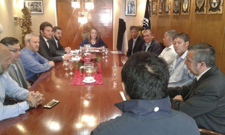 La gobernadora Alicia Kirchner y miembros de su gabinete
