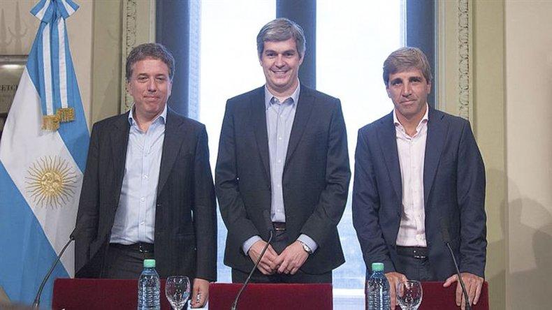 Peña presentó en conferencia de prensa al ministro de Hacienda