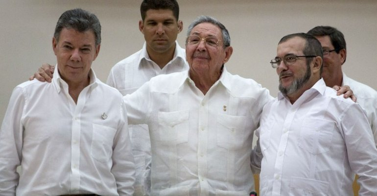 Con la mediación de Cuba