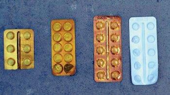 Los blíster de psicofármacos, algunos aún completos sin haber sido abiertos.