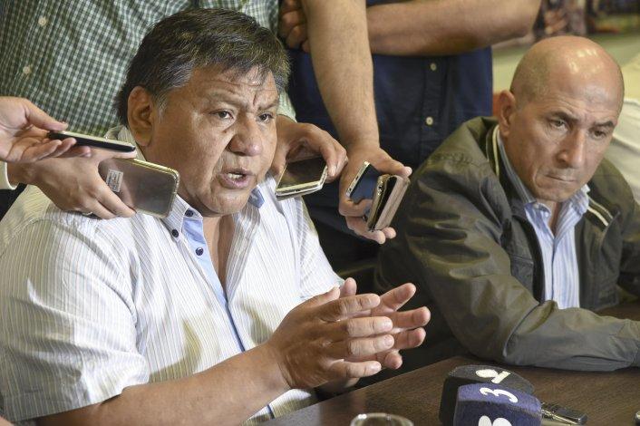 Jorge Avila y José Llugdar durante la conferencia de prensa que brindaron ayer junto a referentes de ambos gremios.