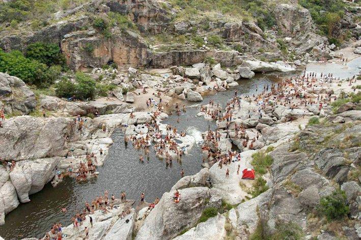 Mina Clavero se destaca por sus bellezas naturales y su agradable clima.