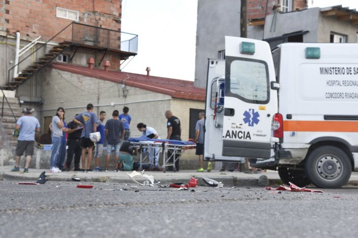 Un motociclista herido tras ser embestido por una camioneta