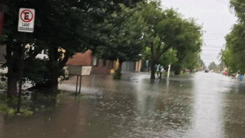 Temporal de lluvia afecta a r o gallegos santa cruz for Jardin 17 rio gallegos