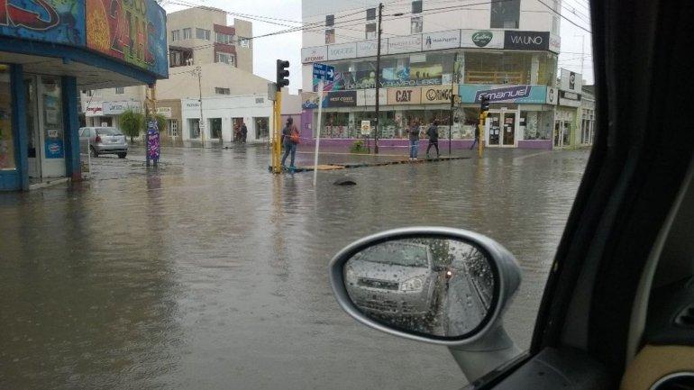Temporal de lluvia afecta a Río Gallegos