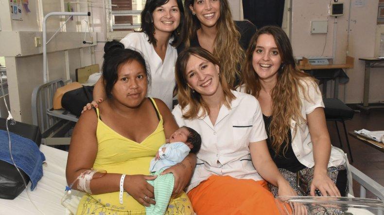 Ciro nació ayer a la medianoche en Rosario con 3