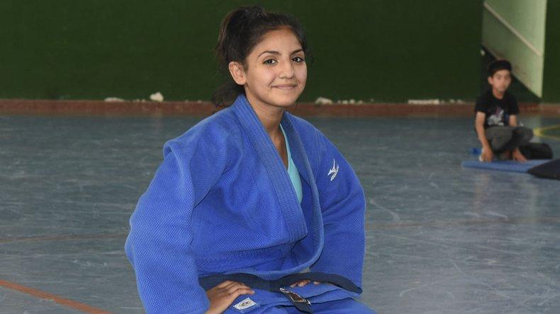 Antonella Smart tiene 15 años y es la gran promesa del judo comodorense.