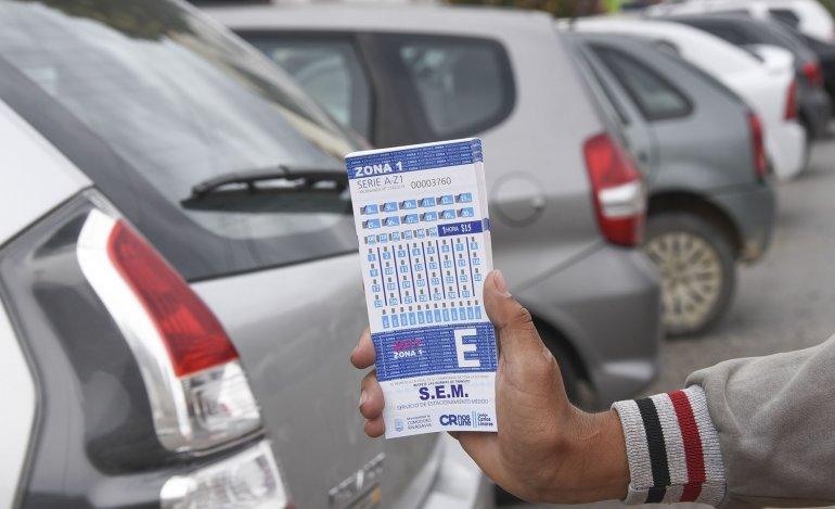 El estacionamiento medido ya rige con nuevos valores en las zonas 1 y 2.