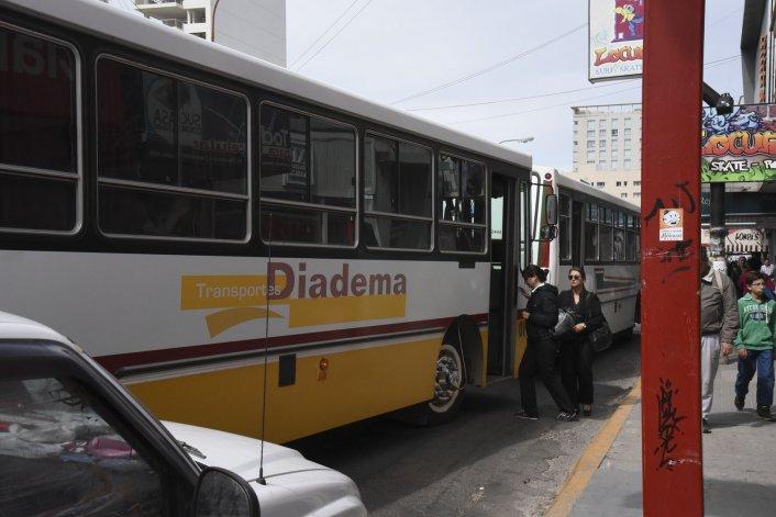 Transportes Diadema suprimió uno de los tres recorridos que brinda en la zona norte de Comodoro Rivadavia.