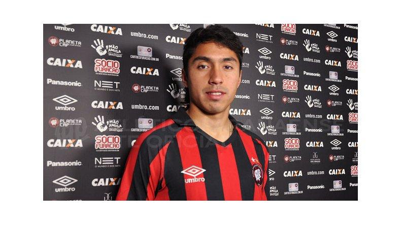 El futbolista surgido en la CAI se desempeña actualmente en Atlético Paranaense de Brasil.
