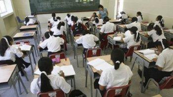 provincia entrega kits escolares a 25 escuelas
