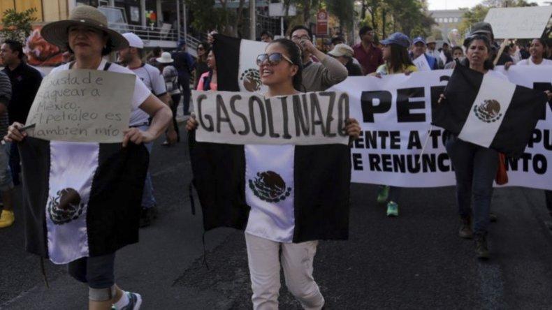 Los campesinos ayer se sumaron a la protesta en México por el gasolinazo de Peña Nieto.