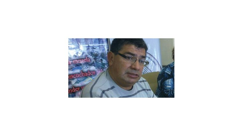 Roberto Llaiquel.