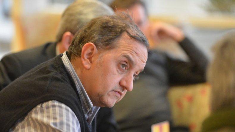 Linares dice que existe intencionalidad permanente de atacarlo o injuriarlo