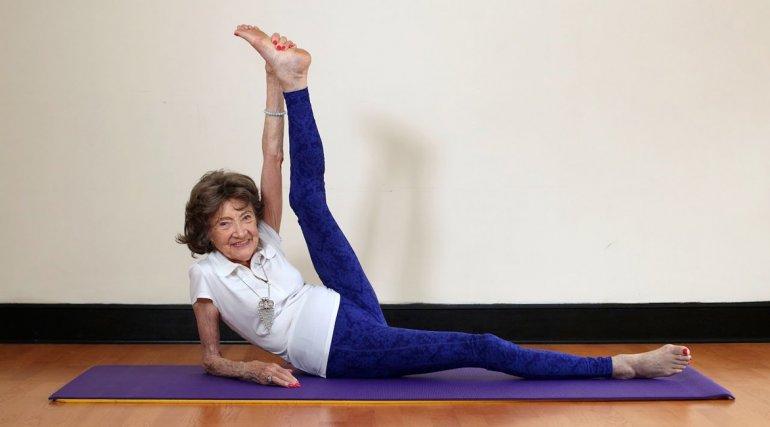 Täo Porchon-Lynch, la profesora de  yoga de 98 años