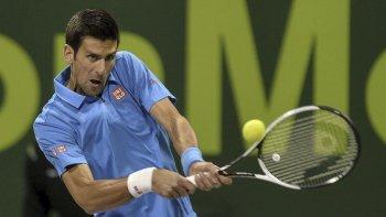 El serbio Novak Djokovic avanzó a las semifinales del torneo de Doha y sueña con el título.