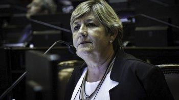 Macri incumple sistemáticamente las promesas de obras concretas y recursos para la provincias, afirmó la senadora Nancy González.