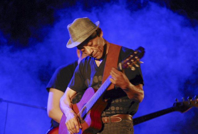 Titín Naves tocará esta noche junto a Los Nancy del Carmen en el Sótano Pub.