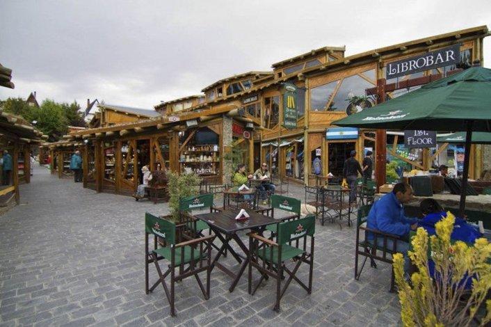 La zona comercial de El Calafate fue escenario de un vergonzoso hecho delictivo por haber sido protagonizado por un efectivo de Gendarmería Nacional.