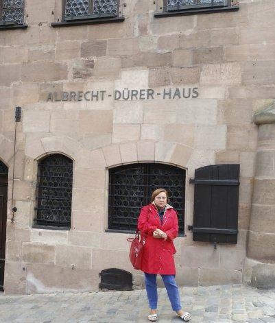 La investigadora y periodista Gabriela Weber impulsa un juicio para que los servicios de informaciones alemanes abran sus archivos referidos a la última dictadura argentina.