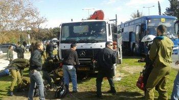 camion embistio a una multitud en jerusalen