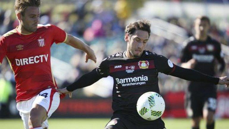 Estudiantes jugó ayer su primer partido de pretemporada con miras al reinicio del campeonato de Primera división.