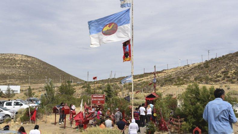 Los fieles del Gauchito Gil se aproximaron a los distintos santuarios para ofrecerle su agradecimiento y pedirle por salud y trabajo para sus familias.
