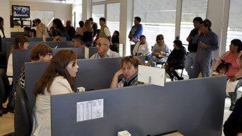 Numerosos contribuyentes acudieron ayer a las oficinas de Rentas que durante 2016, debido a conflictos gremiales, tuvo escasa actividad.