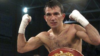 Omar Narváez quiere seguir haciendo historia en el boxeo.