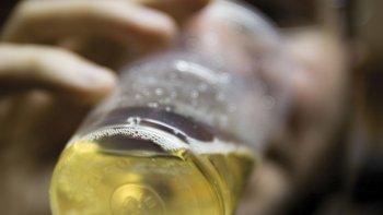 un chico de 12 anos murio por ingesta de alcohol