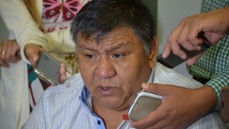 Jorge Avila cuestionó el acuerdo firmado por su par de neuquén Guillermo Pereyra.