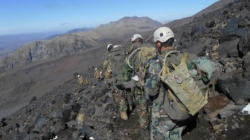 accidente en el volcan lanin: un militar murio y otro se encuentra grave