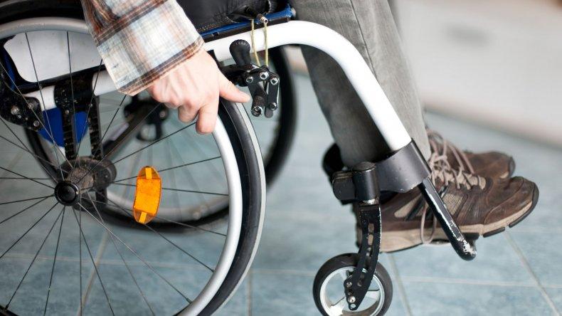En menos de una hora Pedro consiguió una silla de ruedas