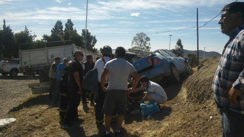 Grave accidente en Castelli: dos personas fueron trasladadas al Regional