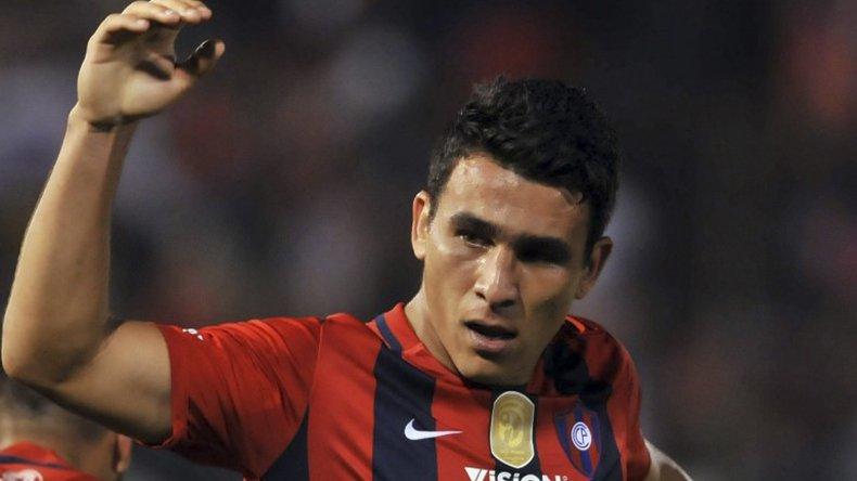 Alonso es defensor de Cerro Porteño de Paraguay y de la selección de su país.