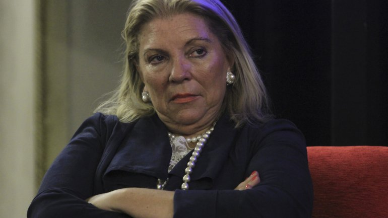 Elisa Carrió pidió ayer a la Justicia que investigue al titular de la Agencia Federal de Inteligencia