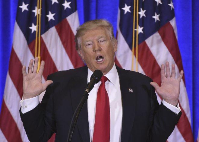 Donald Trump le restó importancia al hackeo atribuido a Rusia.