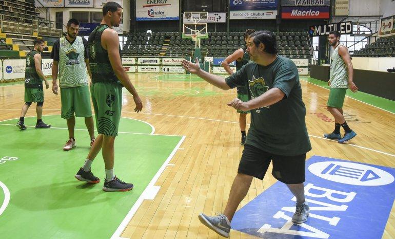 Gimnasia continúa en el Socios Fundadores con sus entrenamientos para recibir el domingo a Regatas Corrientes.