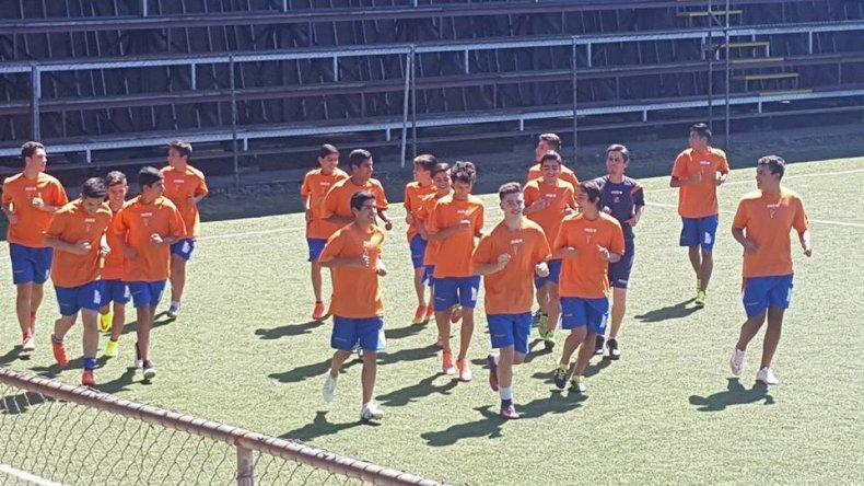 El plantel de la CAI ya entrena en Valdivia