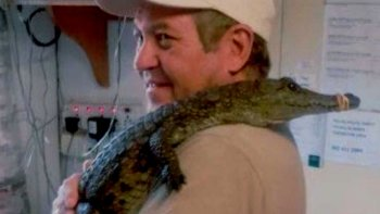 un guia murio atacado por cocodrilos
