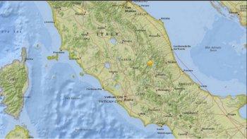 tres terremotos en una hora sacudieron el centro de italia