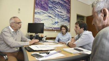 La reunión que autoridades municipales mantuvieron ayer con el gerente de CAPSA.